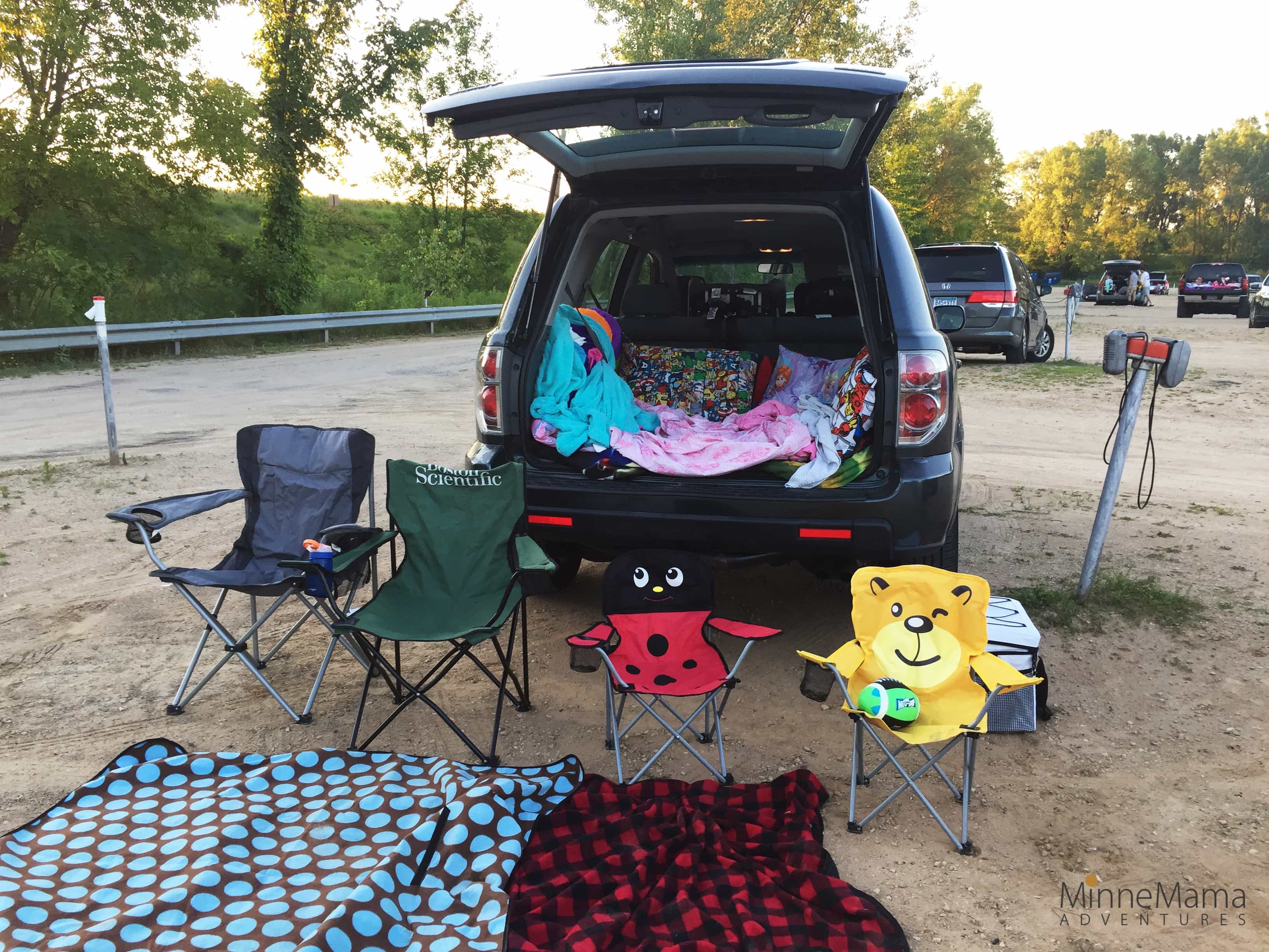 Vali Hi Drive In Theater Suvival Of The Coolest Minnemama Adventures